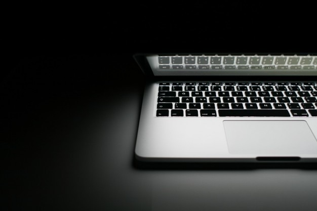 Macbook proに2013の半分