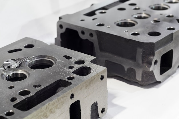 Machined head cylinder from iron casting