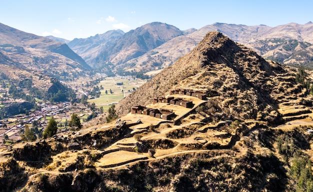 페루의 마추 피투마르카 고대 잉카 마을 프리미엄 사진