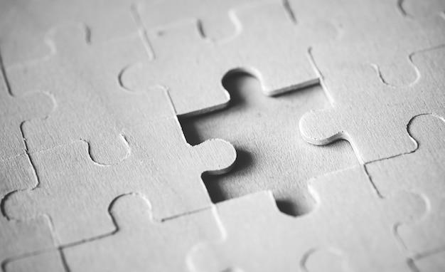Concetto di soluzione mancante del puzzle del colpo a macroistruzione