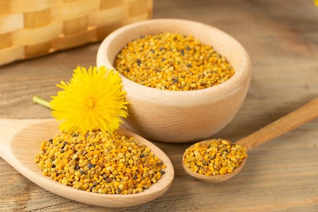 Макросъемка пчелиной пыльцы или перги крупным планом