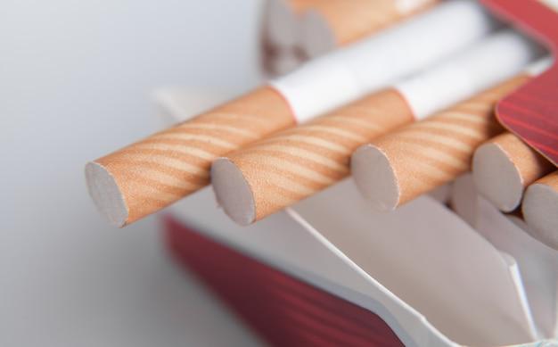 Макро-просмотр. сигареты в пачке