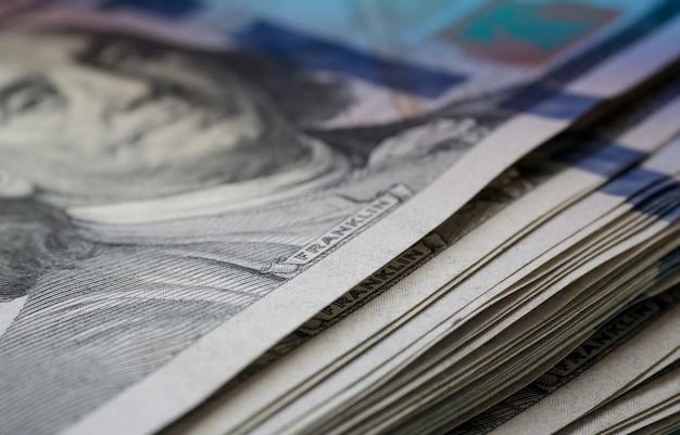 Макро-просмотр банкнот сто долларов сша
