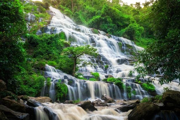 メーヤ滝、タイ。