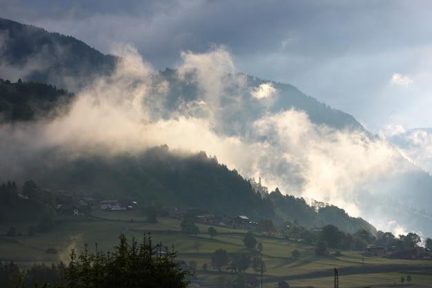 산, 오스트리아에서 마법의 아침