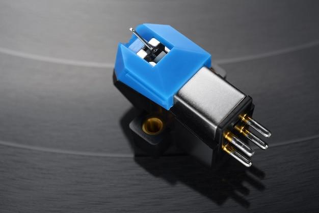 Magnetic phonograph cartridge