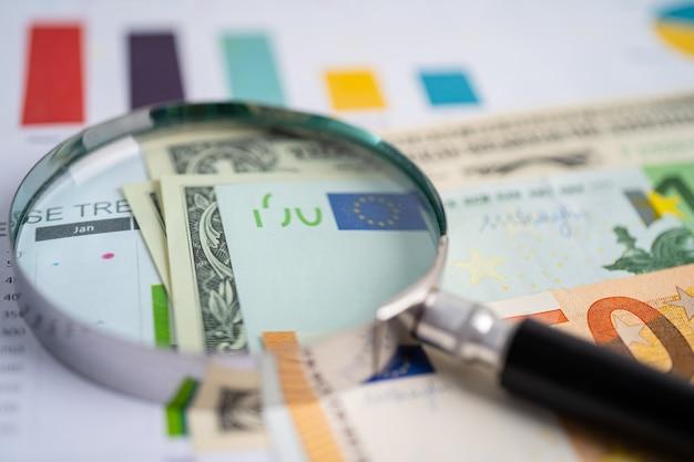 Увеличительное стекло на диаграммах диаграммы финансовое развитие статистика банковского счета