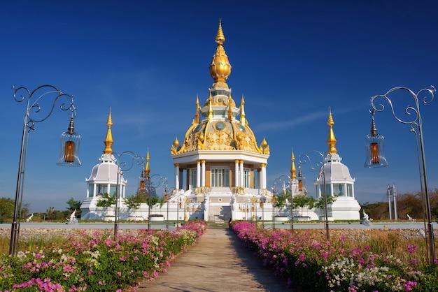 Махаратана чеди шри тритранг в храме дун саетте, хонкаен таиланд