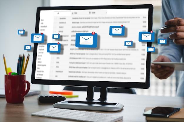 메일 링 연락처 전화 글로벌 편지 개념에 대한 메일 통신 연결 메시지