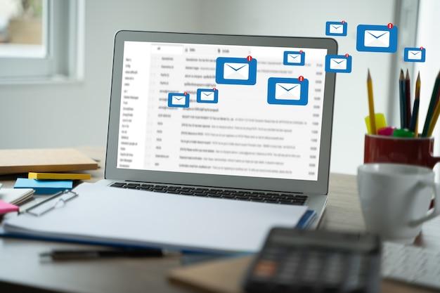 Сообщение подключения электронной почты для рассылки контактов телефон global letters concept