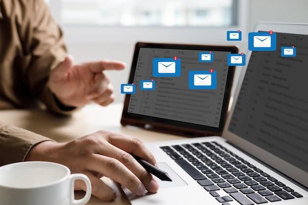 メール連絡先へのメール通信接続メッセージ電話グローバルレターコンセプト
