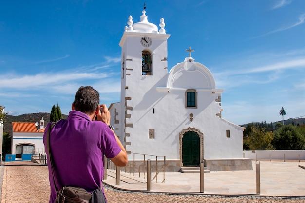 ポルトガル、ルーレの近くにあるケレンカ村の主要教会。