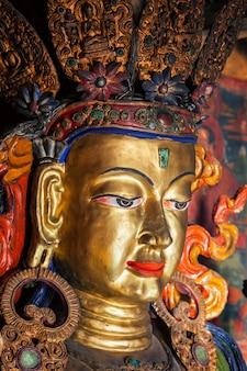 Майтрея будда тиксей гомпа. ладакх, индия