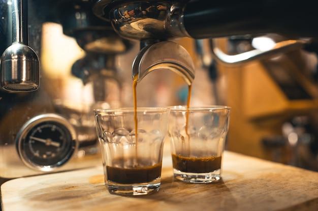 自宅の機械からコーヒーを作る