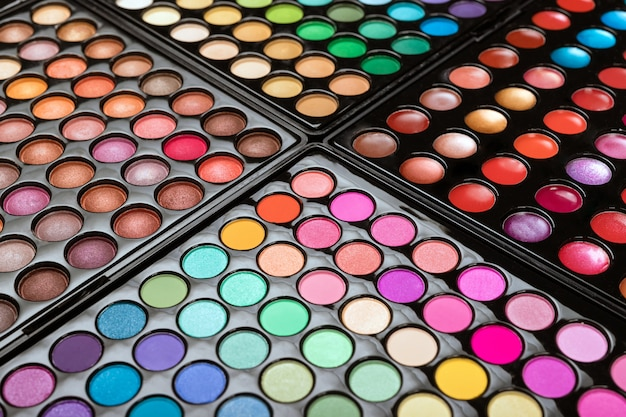 Make-up eyshadow palettes space