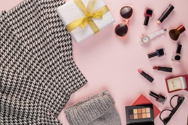 Юбка с подарочной коробкой для макияжа