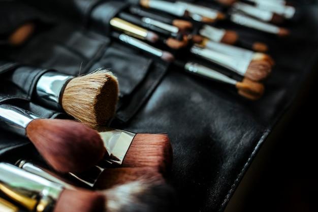 Набор кистей для макияжа косметические принадлежности