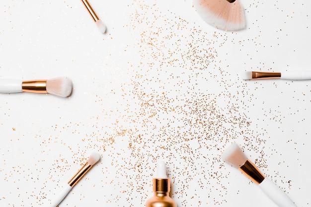 Makeup brushes, hyaluronic acid