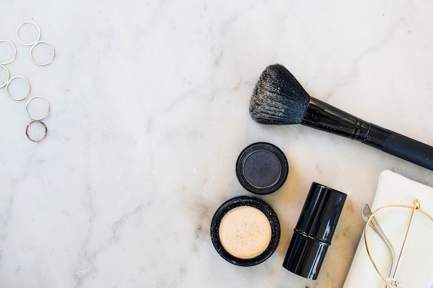 Makeup supplies and accessories