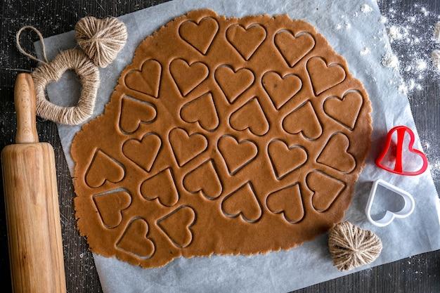 집에서 수제, 수제 케이크 만들기. 레시피, 단계별. 발렌타인 데이 선물을 직접하십시오