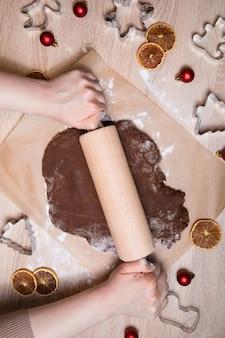 Making christmas gingerbread cookies