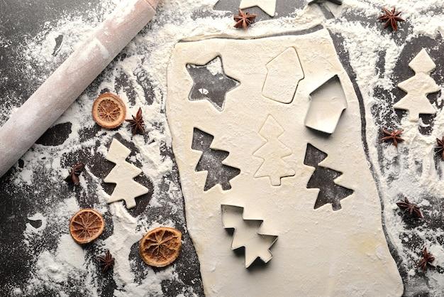 クリスマスパーティー用のクッキーを作る
