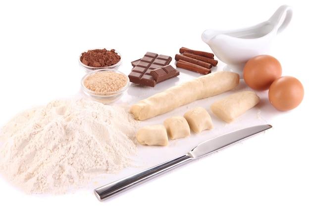 白で隔離されたクッキーを作る