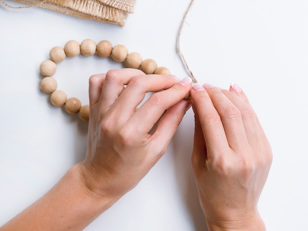 Making decorations with wood beads