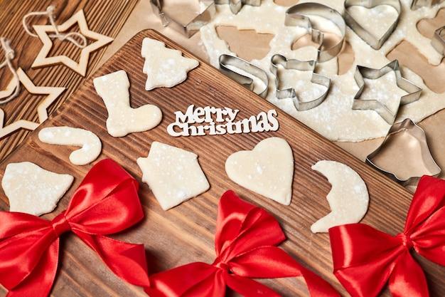 Приготовление имбирного рождественского печенья форма для приготовления
