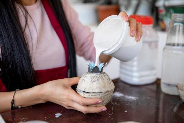 종이 접기 만들기와 겟소 채우기. 고품질 사진