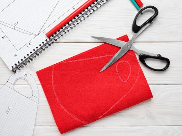 Изготовление защитной маски из ткани в домашних условиях