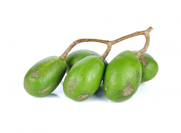 태국의 마콕 (돼지 자두 또는 스페인 자두) 또는 올리브 열매