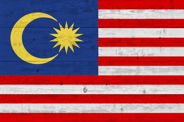 Флаг малайзии нарисовал на старой деревянной доске
