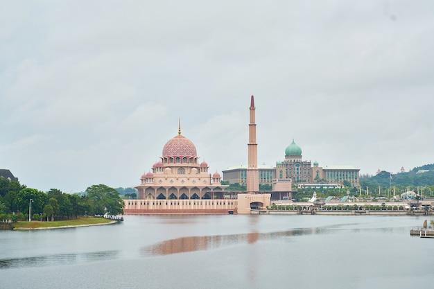 Malaysia путраджайская мусульманская пейзаж туризм