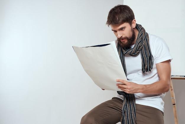Художник-мужчина рисует палитру кисти, рисунок искусства изолированный фон