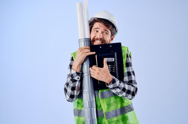 남성 빌더 건설 작업 디자인 직업 고립 된 배경