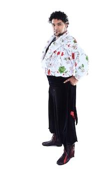 Мужчина-танцор. народный танец. танцевальное шоу. национальный костюм. национальная культура. фото с пустым пространством для текста.