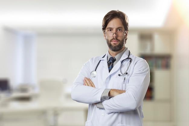 楽しみにして彼のオフィスで男性医師