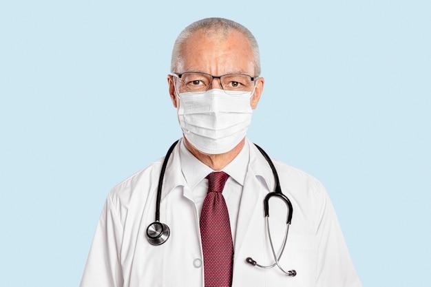 フェイスマスクの肖像画を持つ男性医師