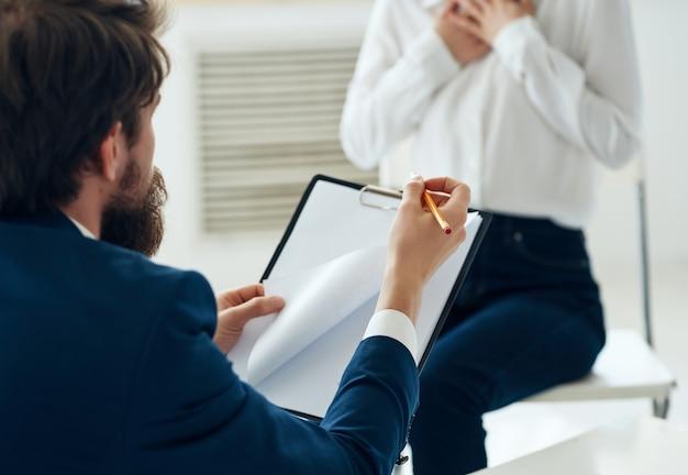 환자 의학과 남성 심리학자 전문 의사 소통