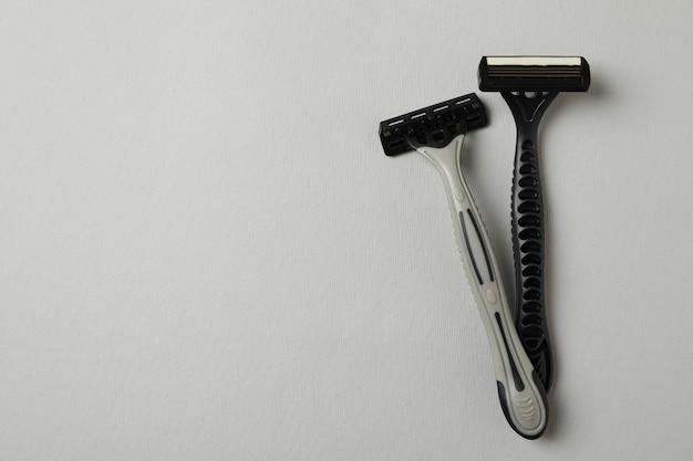 Male razors on gray