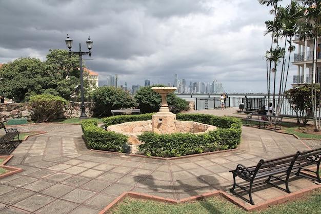 Набережная малекон в каско вьехо, панама, центральная америка
