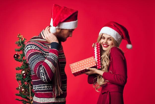 남자와 여자 선물 크리스마스 휴일 새 해 재미