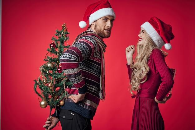 男性と女性の贈り物クリスマス新年のライフスタイル
