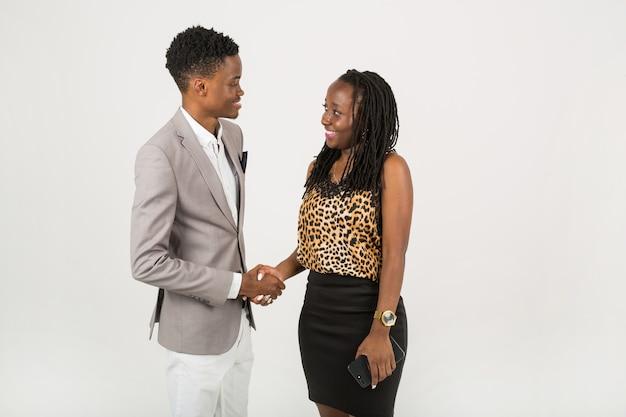 男と女の握手
