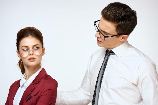 Мужчина и женщина, домогательства на работе, сексуальные отношения на работе, начальник и подчиненный