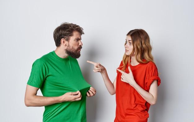 남자와 여자 티셔츠 통신 감정 라이프 스타일 우정.