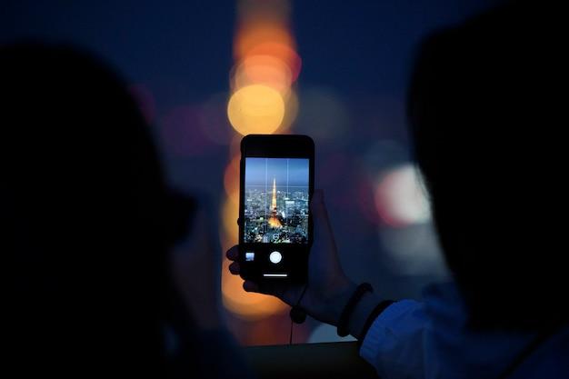 東京タワーを占領する男、日本