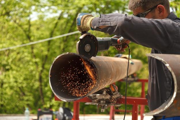 Man cuts flex steel products