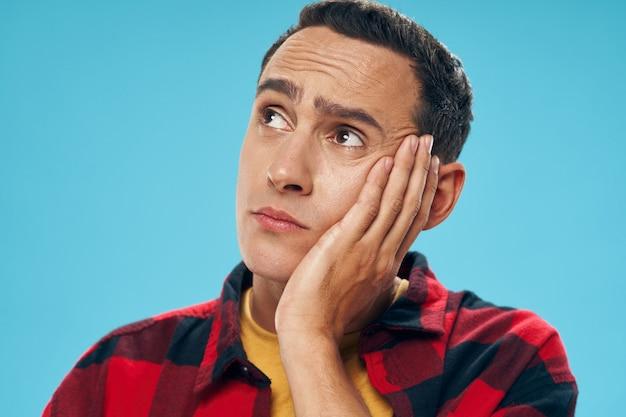 남자 감정 얼굴 초상화, 표면 색깔.